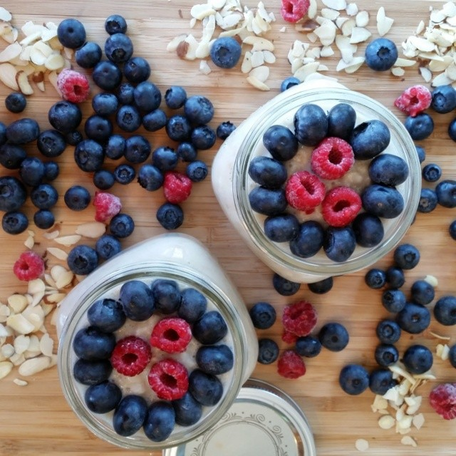 berry-almond-oats