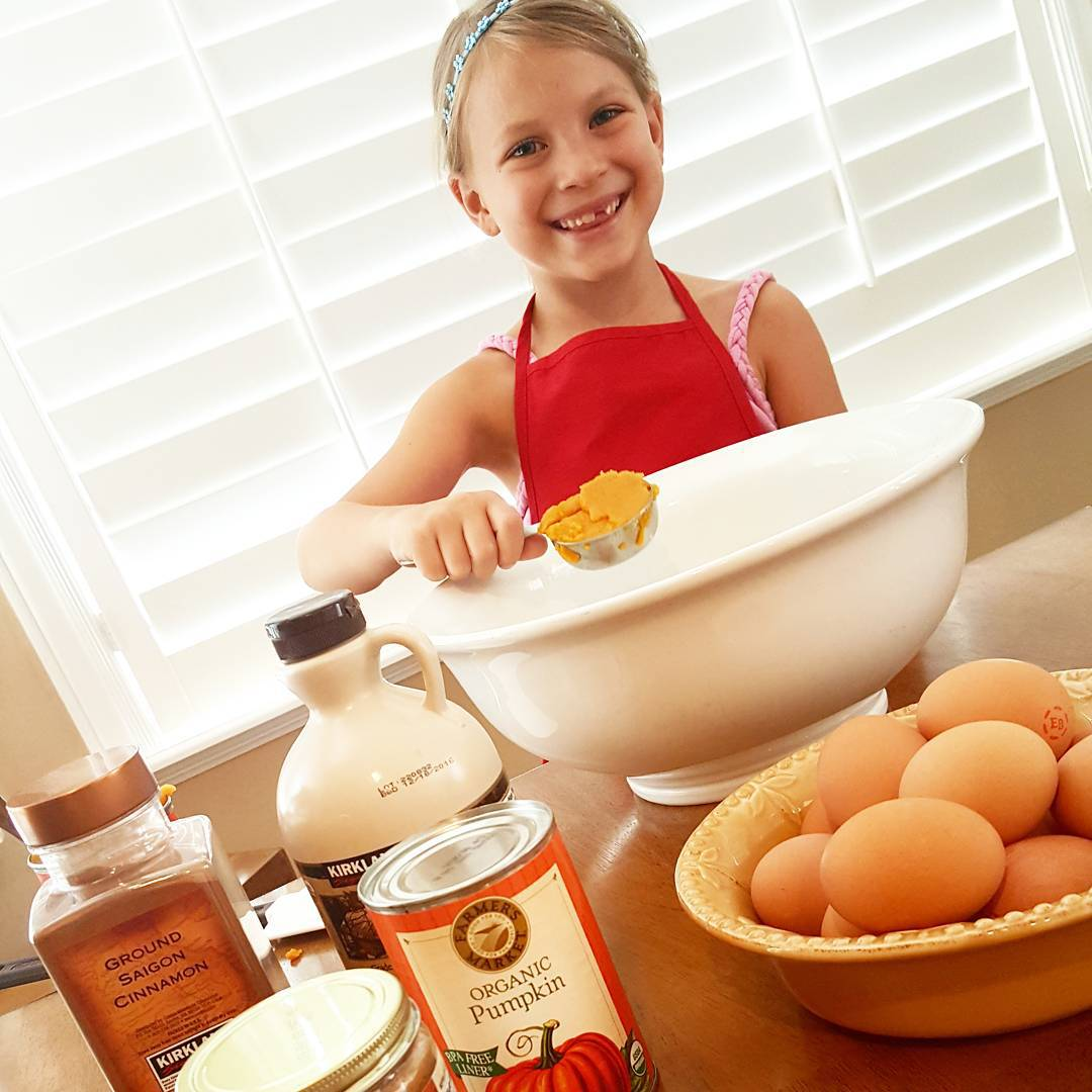 Kids Love Grain-Free Pumpkin Muffins Clean Eating Recipe http://cleanfoodcrush.com/pumpkin-muffins/