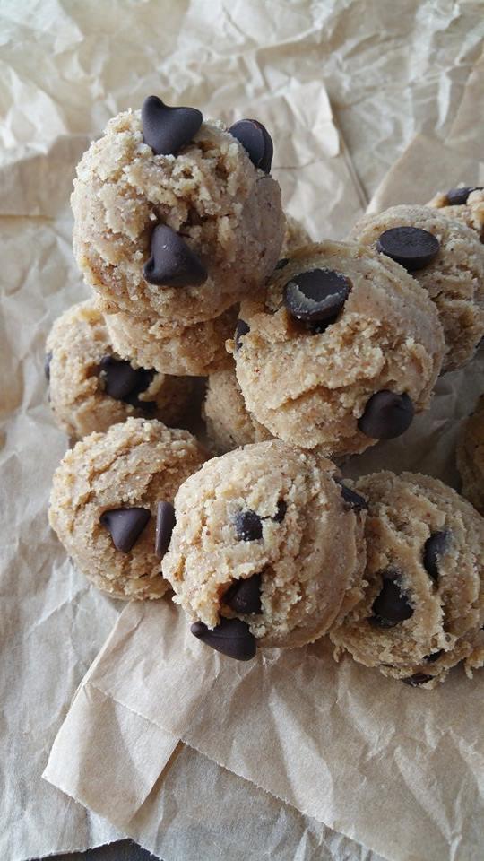 Raw Chocolate Chip Cookie Dough Balls Recipe http://cleanfoodcrush.com/cookie-dough