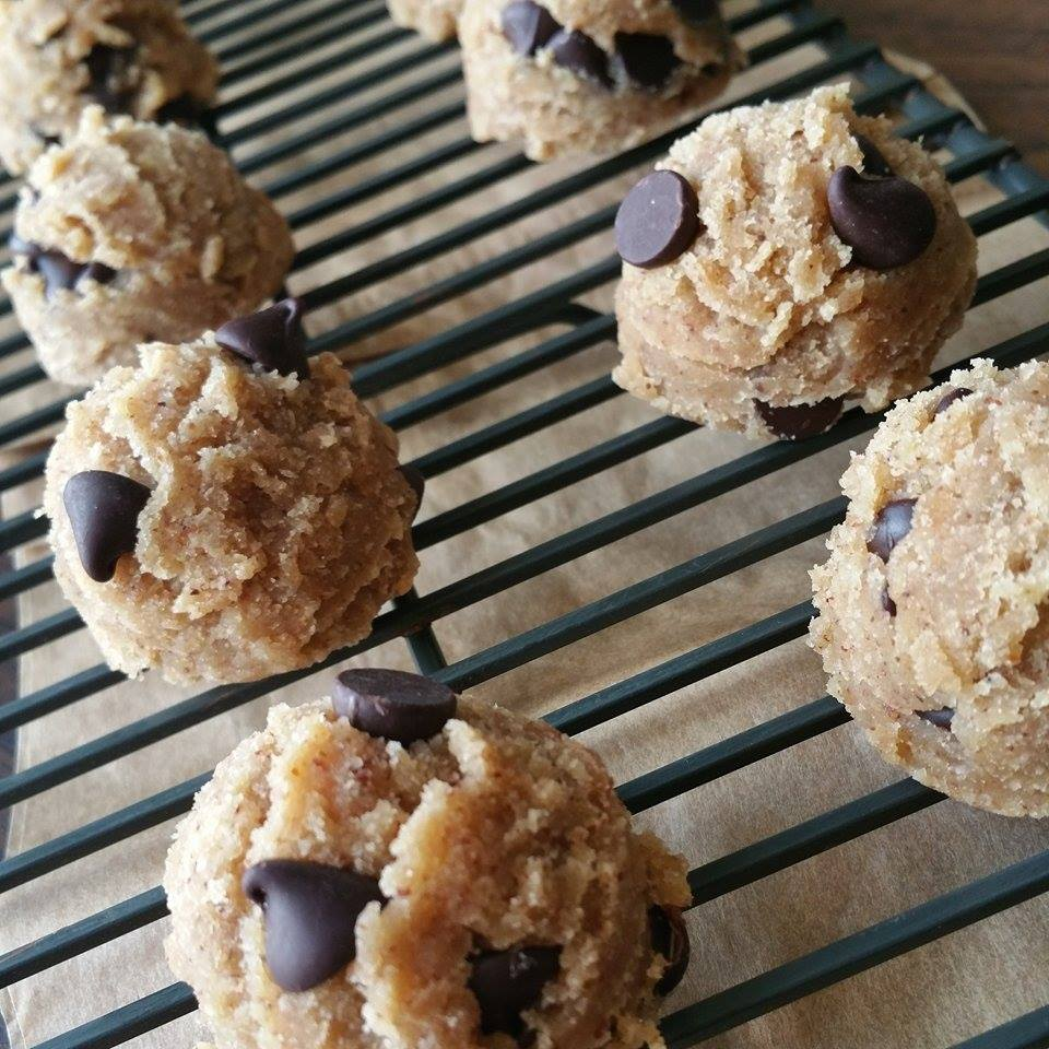 Ready-To-Eat Raw Chocolate Chip Cookie Dough Balls Recipe http://cleanfoodcrush.com/cookie-dough