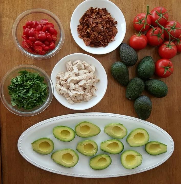 avocado blt prep http://cleanfoodcrush.com/blt-avocados