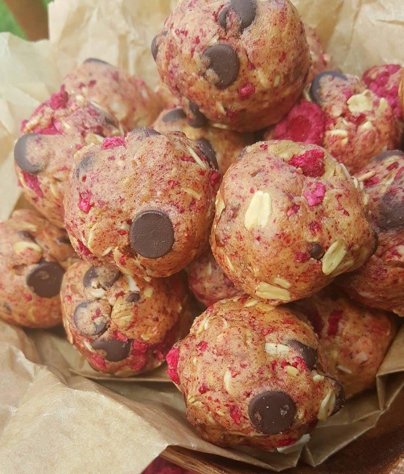 No-Bake Raspberry Chocolate Protein Balls http://cleanfoodcrush.com/raspberry-chocolate-balls/