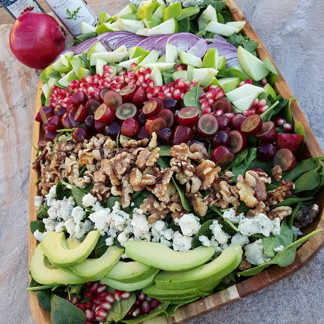 Autumn Salad with Raspberry Walnut Dressing http://cleanfoodcrush.com/autumn-salad/