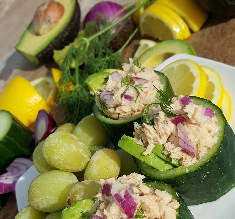 Clean Eating English Cucumber & Avocado Tuna Rolls http://cleanfoodcrush.com/cucumber-tuna-rolls/