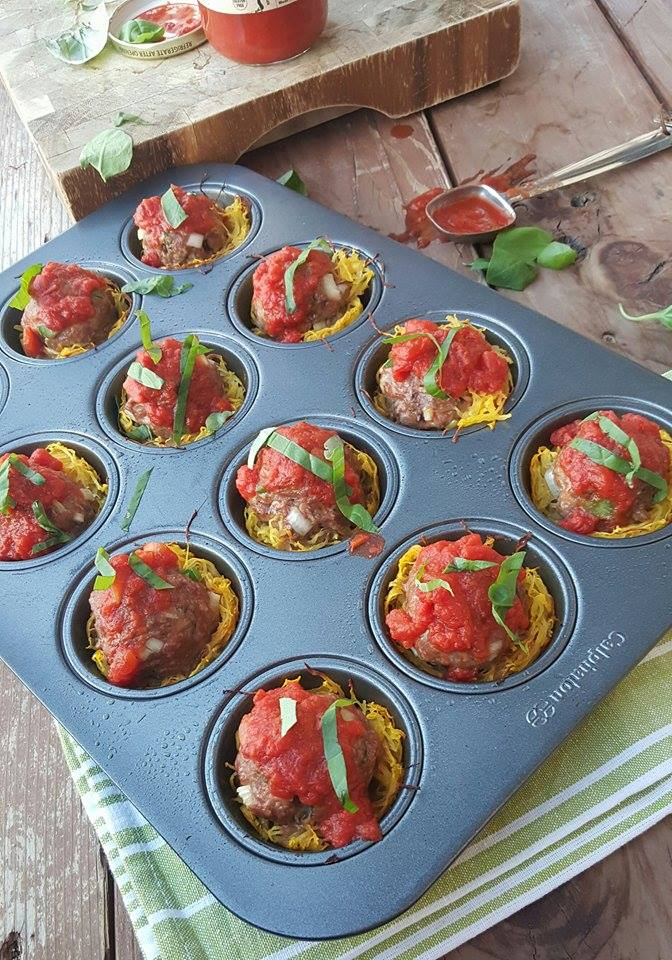 Clean Eating Italian Meatballs in Spagetti Squash Cups
