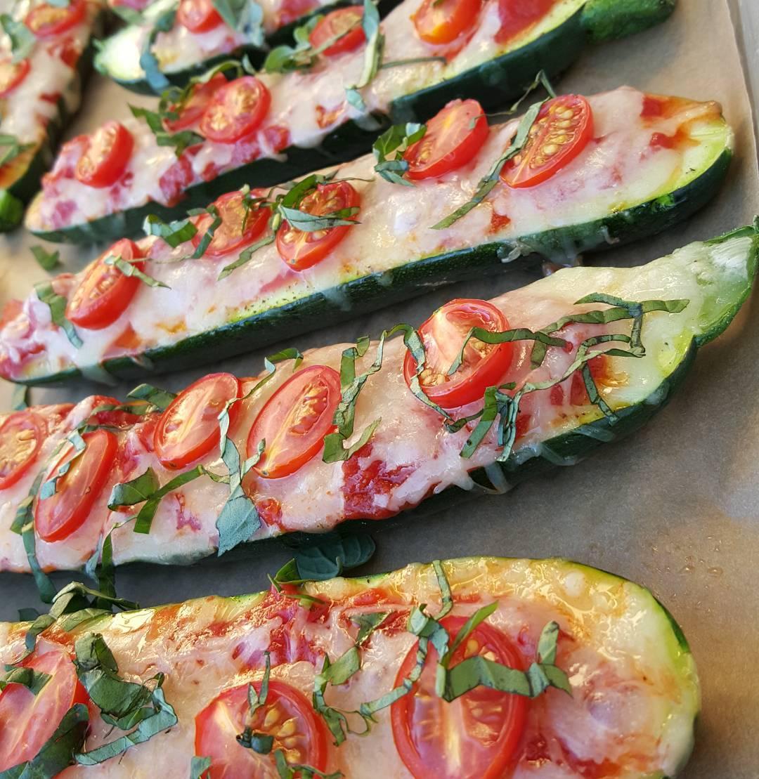 Zucchini Margherita Pizza Boats Recipe  http://cleanfoodcrush.com/margherita-pizza-boats/ 
