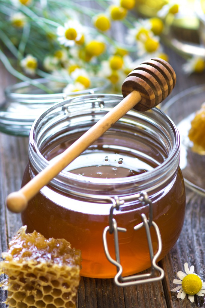 The Health Benefits of Raw Honey http://cleanfoodcrush.com/5-reasons-to-eat-honey/