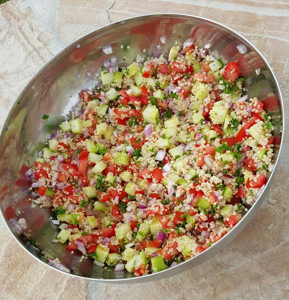 CleanFoodCrush Quinoa Tabouli Recipe http://cleanfoodcrush.com/quinoa-tabouli/
