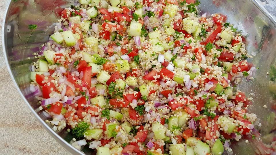 Quinoa Tabouli Recipe http://cleanfoodcrush.com/quinoa-tabouli/