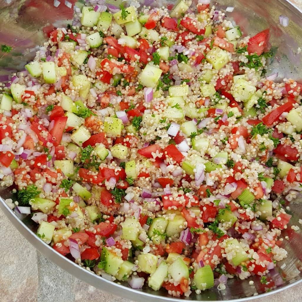 Quinoa Tabouli for Meal Prep http://cleanfoodcrush.com/quinoa-tabouli/ 