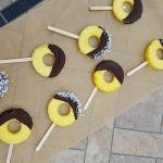 Frozen Pineapple Pops http://cleanfoodcrush.com/chocolate-pineapple-pops/