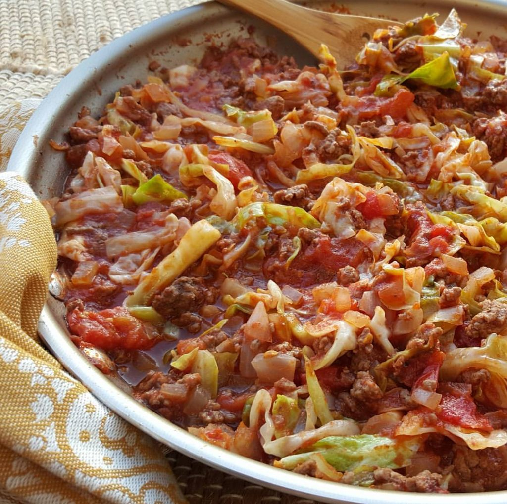 One Pan Grass-fed Beef and Cabbage Skillet Recipe http://cleanfoodcrush.com/beef-cabbage-skillet/