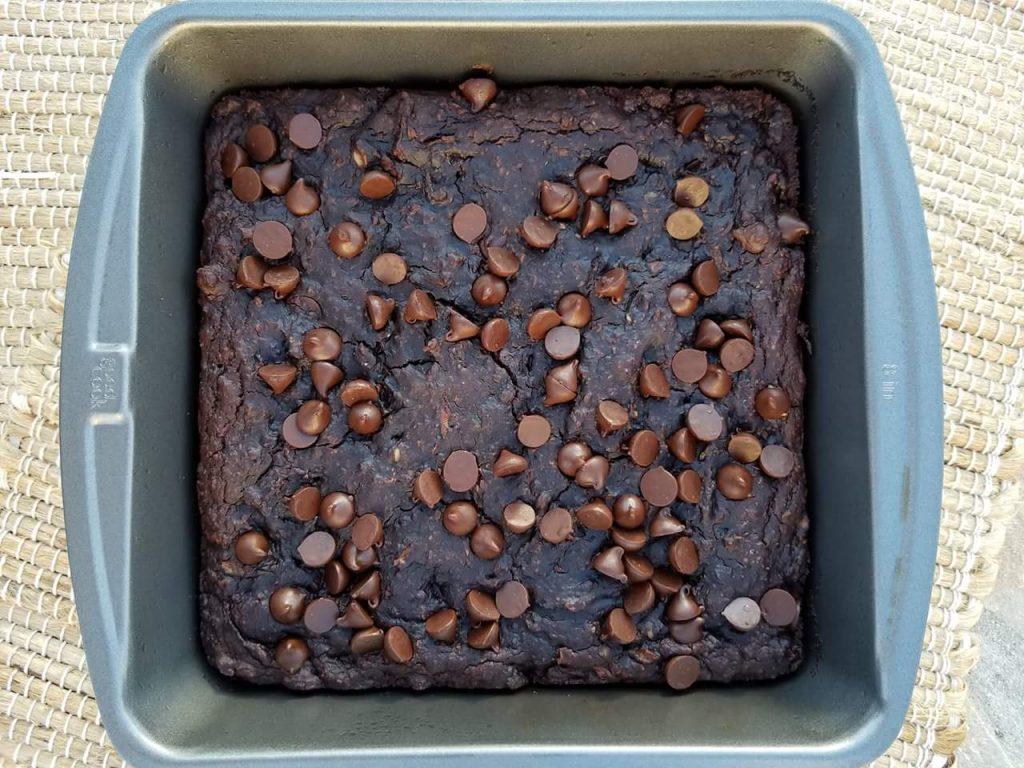Flourless Dark Chocolate Zucchini Brownies Recipe http://cleanfoodcrush.com/brownies/