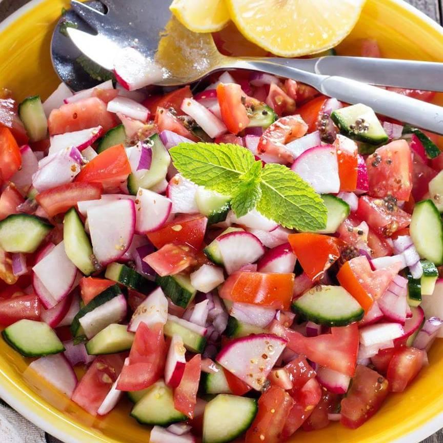 Simple Summer Side Salad  http://cleanfoodcrush.com/summer-side-salad/