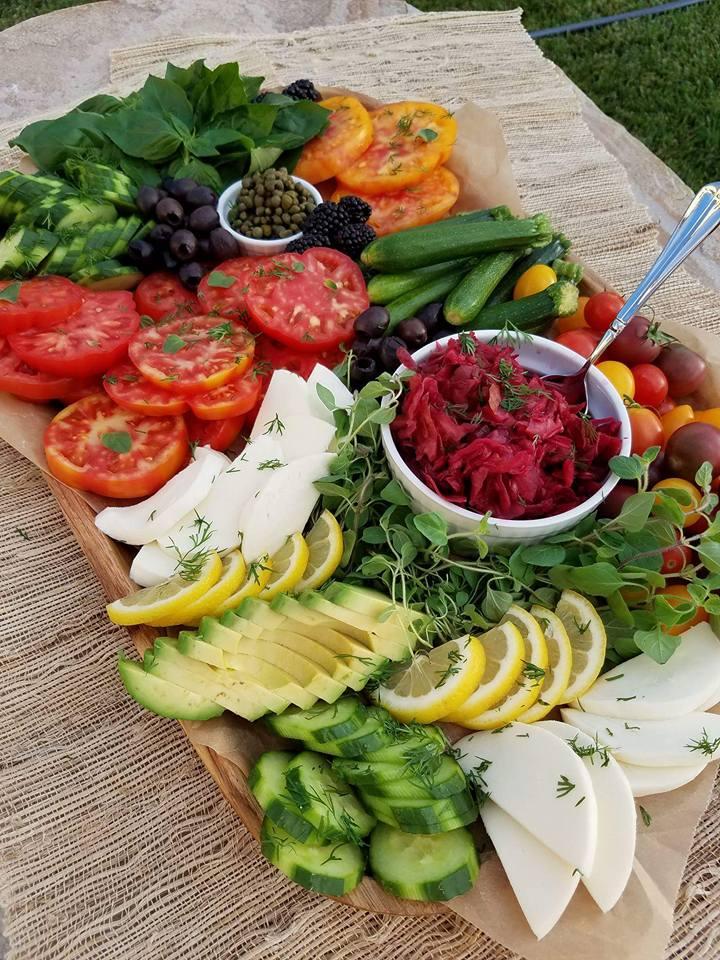 Summer Vegetable Platter http://cleanfoodcrush.com/summer-veggie-plate/