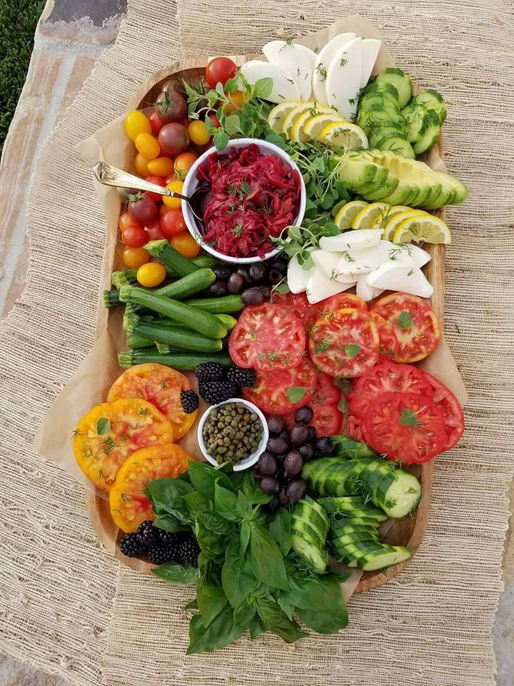 Summer Vegetable Platter http://cleanfoodcrush.com/summer-veggie-plate
