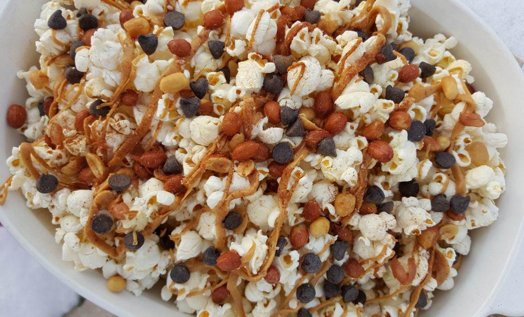 Salty-Sweet PB Popcorn http://cleanfoodcrush.com/salty-sweet-pb-popcorn/