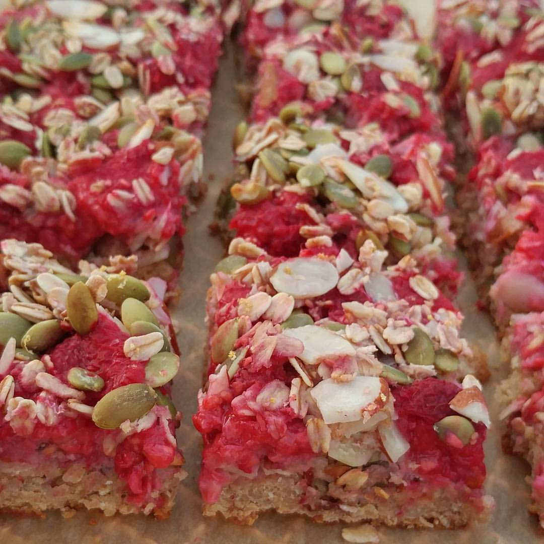 raspberry-almond-oat-bars