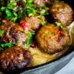 beef-meatballs-in-white-wine-sauce