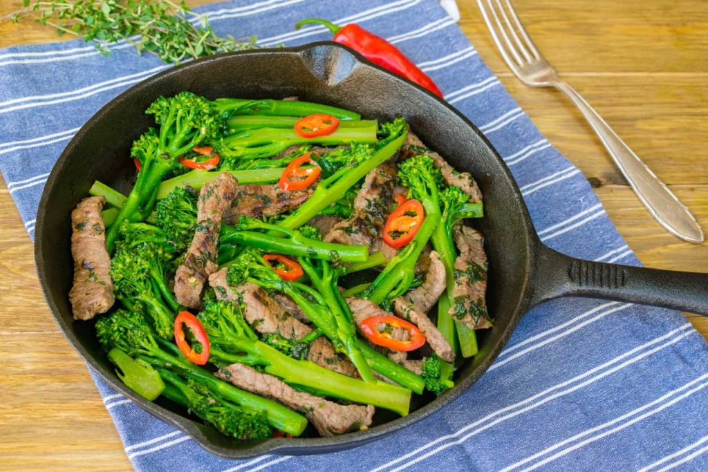 cleanfoodcrushcoriander-chilli-beef-broccoli-stir-fry