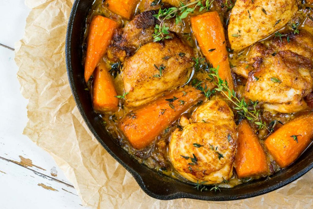 skillet-chicken-with-carrots-and-bacon-recipe