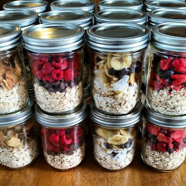 """Instant"" Oatmeal Jars – Easy Breakfast Meal Prep"