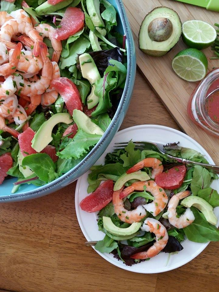 Simple Grapefruit Vinaigrette Salad Dressing https://cleanfoodcrush.com/grapefruit-vinaigrette/