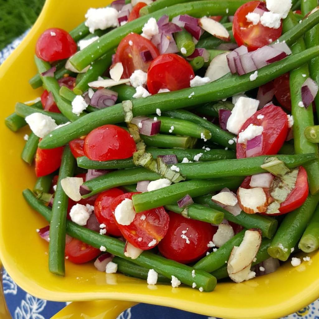 Garden-Fresh Green Bean Salad recipe https://cleanfoodcrush.com/garden-fresh-green-bean-salad