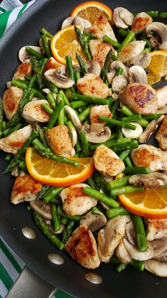 Orange Chicken Stir-Fry with Asparagus Clean Eating Recipe https://cleanfoodcrush.com/orange-chicken-stir-fry/