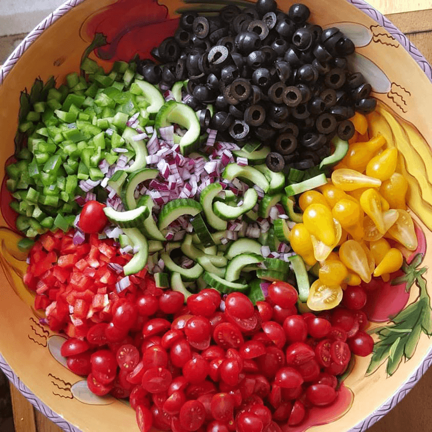 Supreme Pizza Inspired Salad https://cleanfoodcrush.com/supreme-pizza-salad