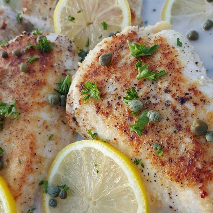 Creamy Lemon Chicken Piccata https://cleanfoodcrush.com/creamy-lemon-chicken-piccata