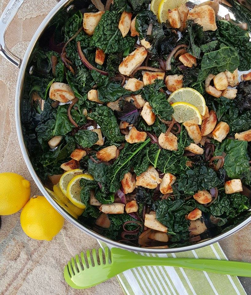 Lemon Pepper Chicken & Kale Stir Fry Recipe https://cleanfoodcrush.com/lemon-chicken-kale-stir-fry/