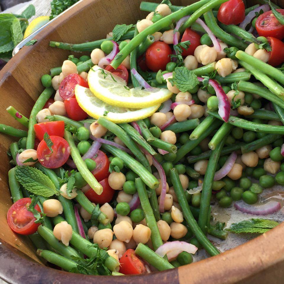 Summer Peas and Green Bean Salad Recipe https://cleanfoodcrush.com/summer-peas-green-bean-salad/