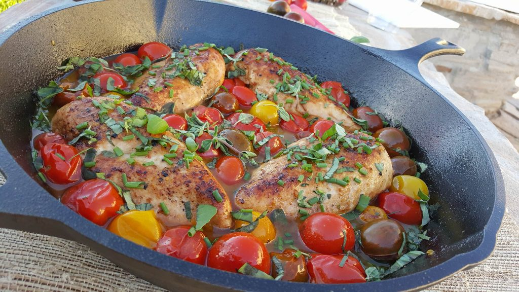 Balsamic Glazed Chicken with Heirloom Tomatoes and Fresh Herbs https://cleanfoodcrush.com/balsamic-chicken-and-tomatoes/