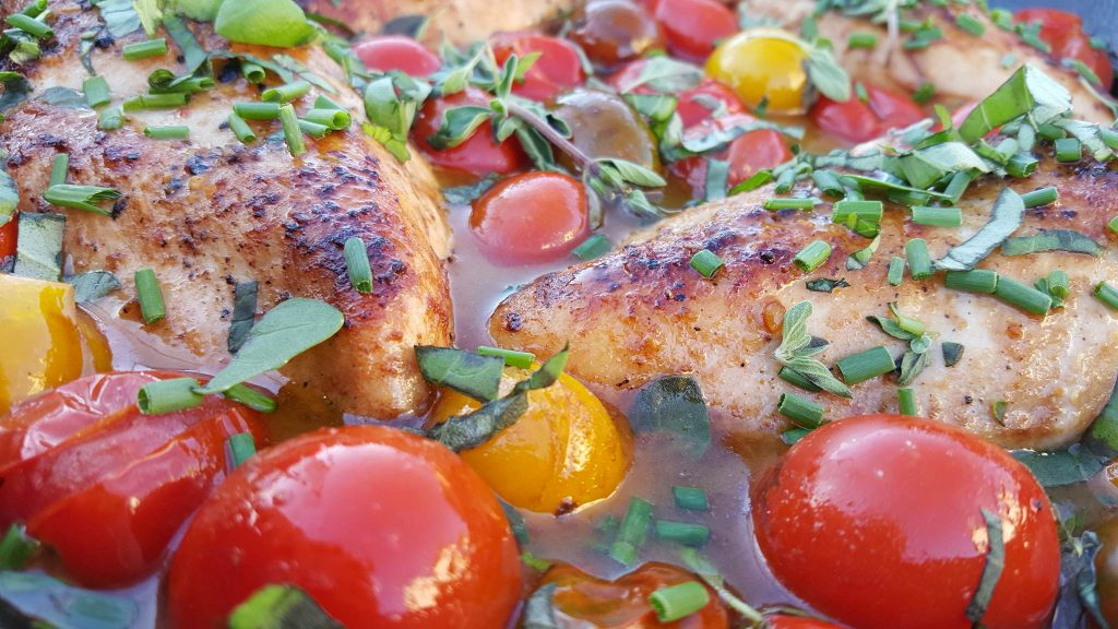 Clean Eating Recipe - Balsamic Glazed Chicken with Heirloom Tomatoes and Fresh Herbs https://cleanfoodcrush.com/balsamic-chicken-and-tomatoes/