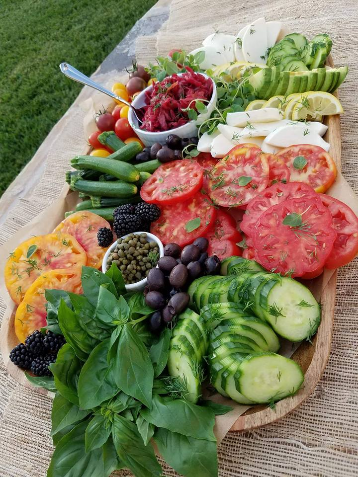 Vegetable Platter Summer https://cleanfoodcrush.com/summer-veggie-plate/