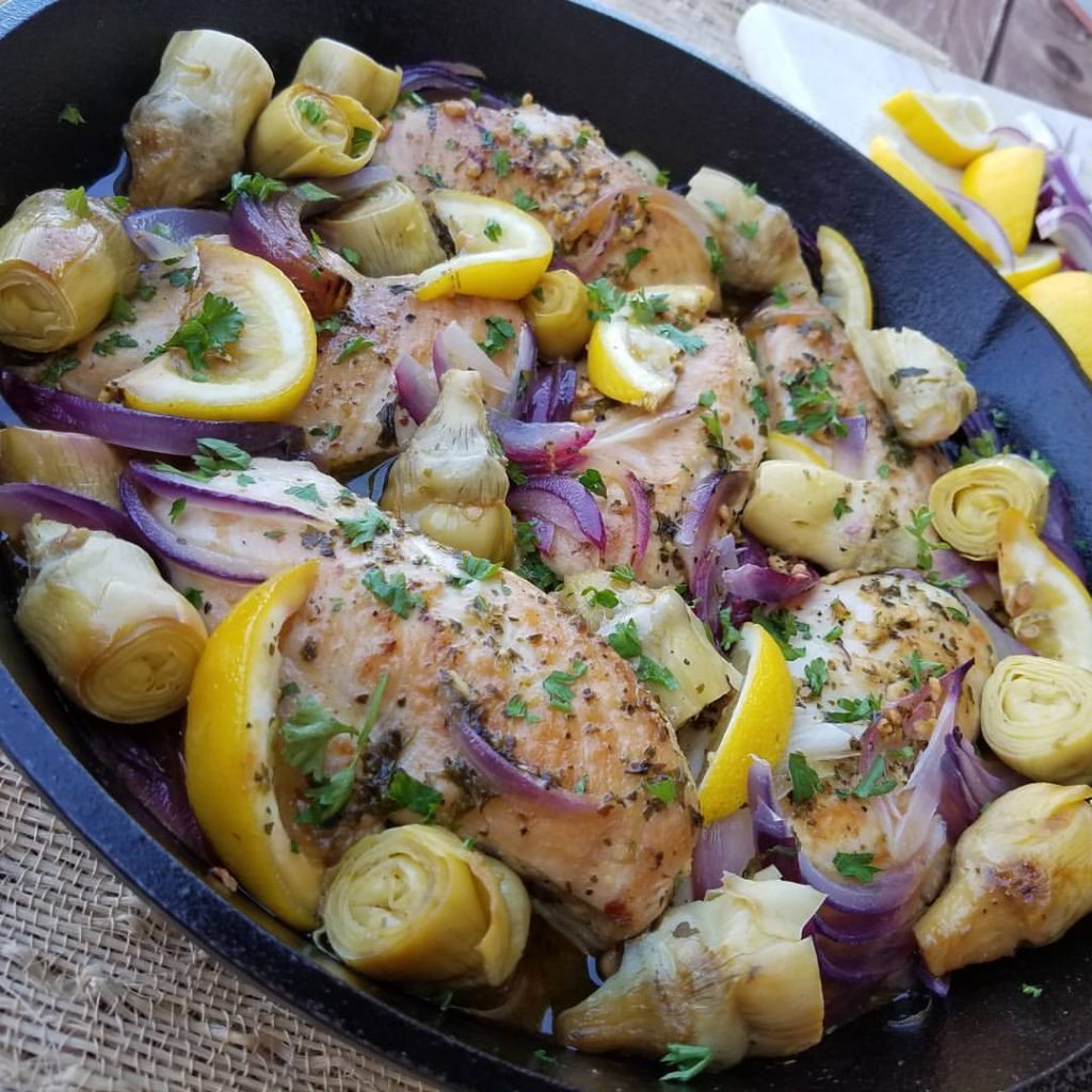 1-Pan Lemon Artichoke Chicken Recipe https://cleanfoodcrush.com/lemon-artichoke-chicken/