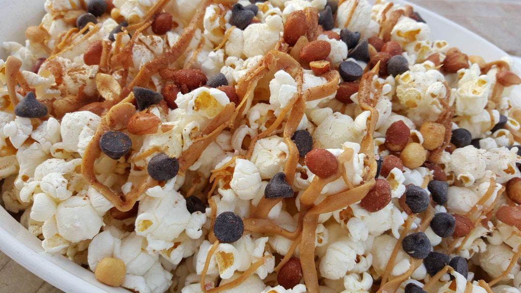 CleanFoodCrush Salty-Sweet Peanut Butter Popcorn