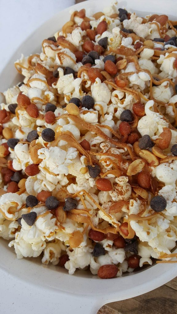 Salty-Sweet Peanut Butter Popcorn Recipe https://cleanfoodcrush.com/salty-sweet-pb-popcorn/