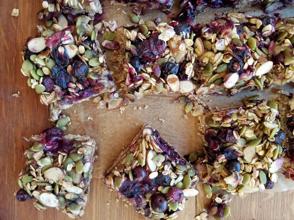 cleanfoodcrush-blueberry-oat-breakfast-bars https://cleanfoodcrush.com/blueberry-oat-breakfast-bars/