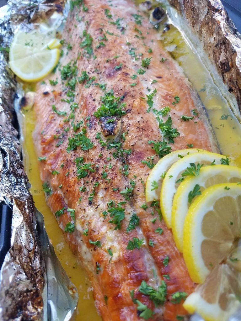 Honey Lemon Garlic Salmon CleanFoodCrush Recipe https://cleanfoodcrush.com/honey-lemon-garlic-salmon/