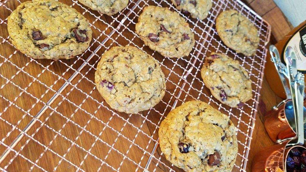 Cranberry Almond Oat Cookies https://cleanfoodcrush.com/clean-eating-cranberry-almond-oat-cookies