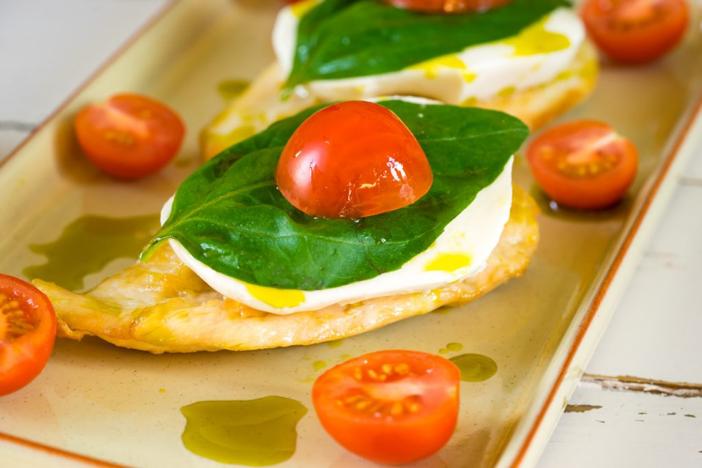 15 Minute Caprese Chicken Meal