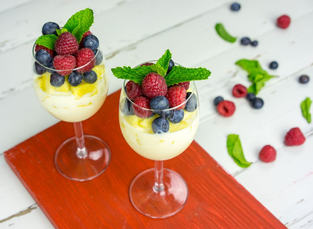 Berries pineapple yogurt parfait