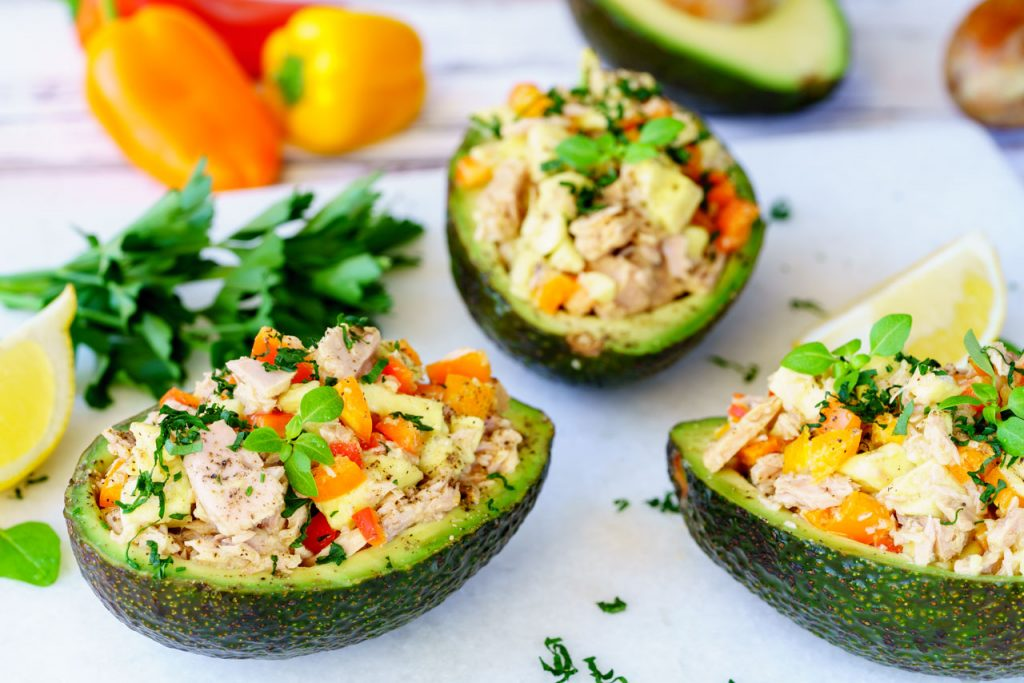 Quick Clean Eating Lunch Idea: Tuna Stuffed Avocado ...