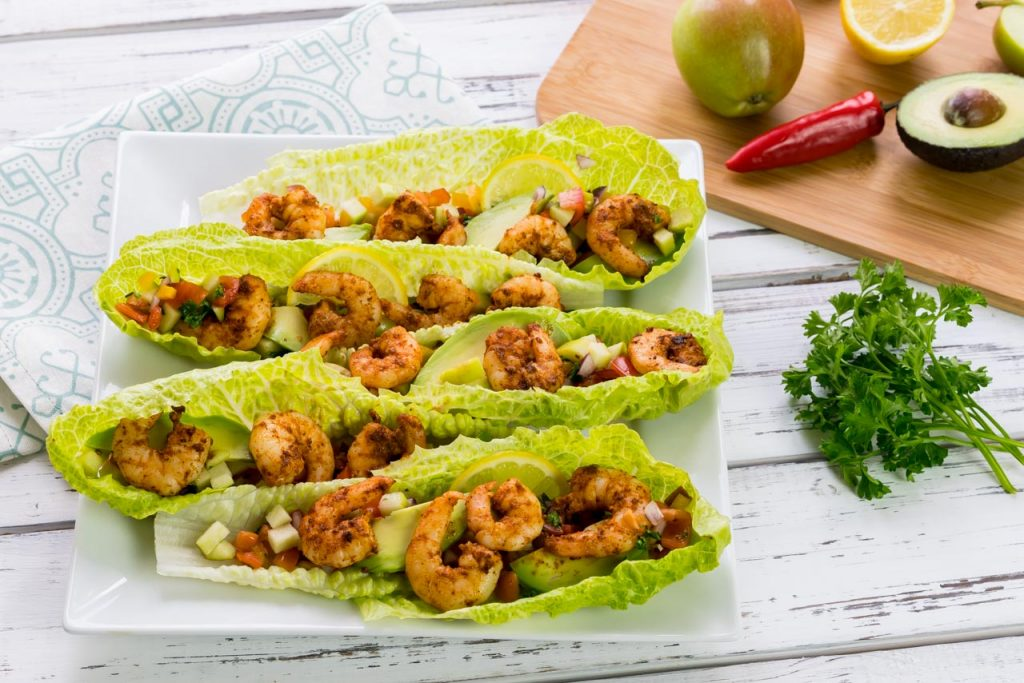 Spicy shrimp in lettuce wrap