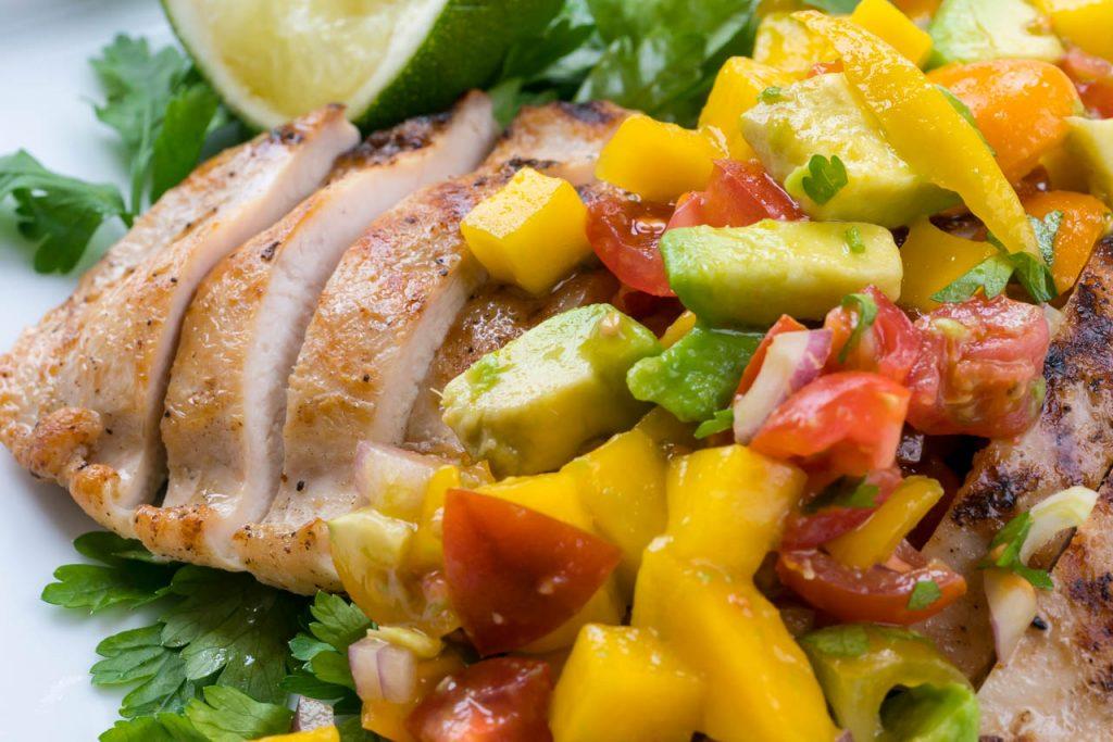 Grilled boneless chicken and mango salsa