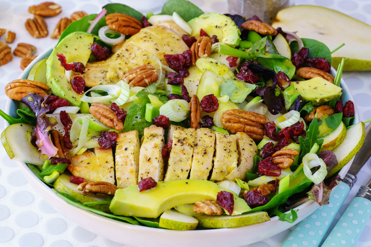 CleanFoodCrush Chicken Pear Avocado Salad