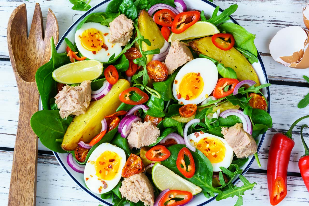 CleanFoodCrush Tuna Nicoise Salad Recipe