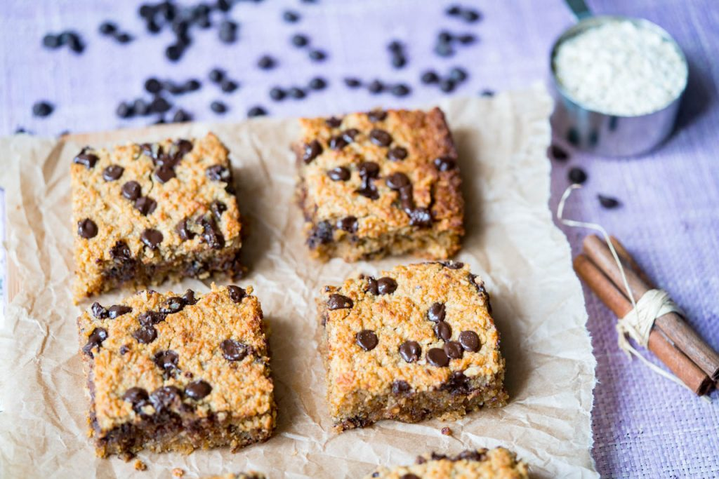 Clean Chocolate Oatmeal Chip Bars